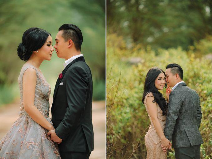 PRE - WEDDING ARA & OLIVIA BY HENOKH WIRANEGARA by All Seasons Photo - 023