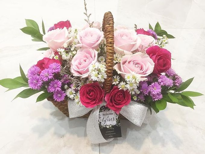 Personal Hand Bouquet by Flowers & Lyrics - 010