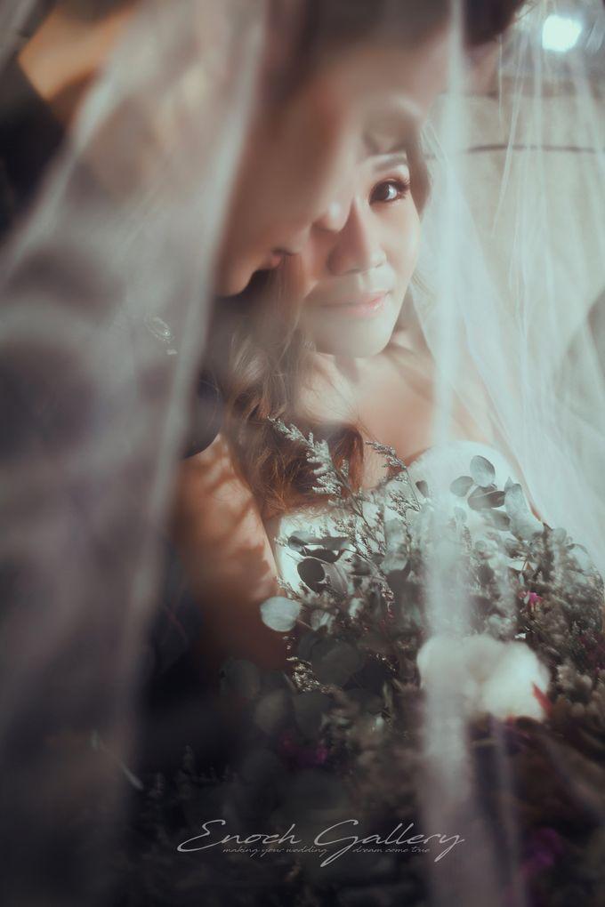 pre-wedding photography by Enoch Gallery - 002