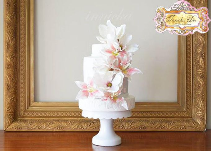 Wedding Cakes by Innicka Dee Cakes - 027