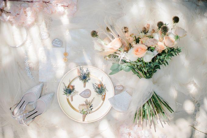 Elegant Vintage Coral Peach Palette for Willy and Luphyta Wedding at Plenilunio Villa Uluwatu by Bali Wedding Atelier - 006