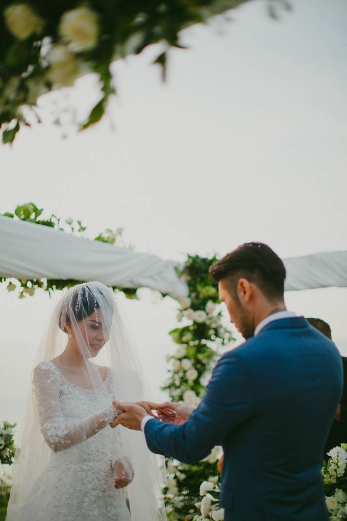 RUSTIC WEDDING DAVID AND JOICE IN SKY AYANA BALI by W organizer - 040