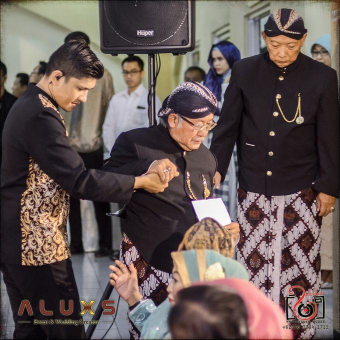 The Wedding of Santa & Khresna by Alux's Event & Wedding Creator - 025