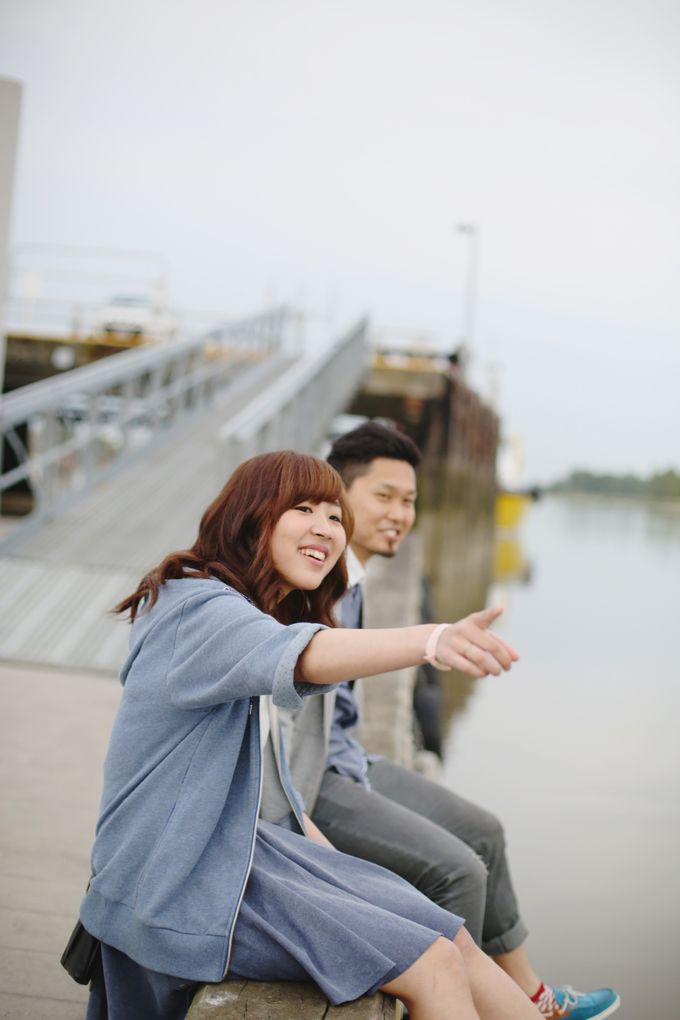 Engagement shoot at Steveston Richmond by Rebecca Ou Photography - 024
