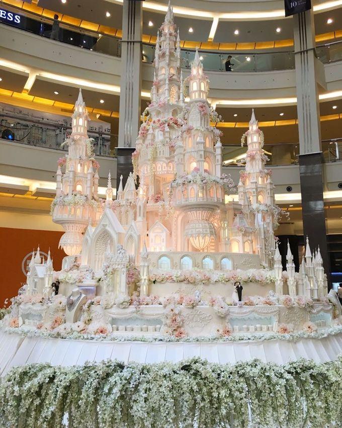 Masterpiece and Signature Wedding Cakes by LeNovelle Cake - 031