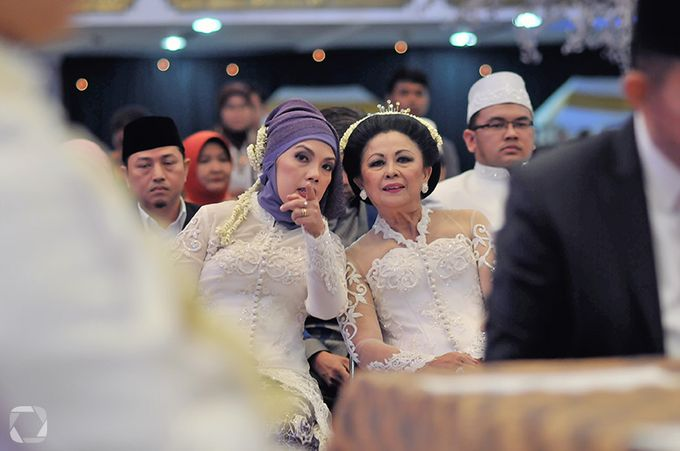 The Wedding of Sally + Rizky by The Move Up Portraiture - 019