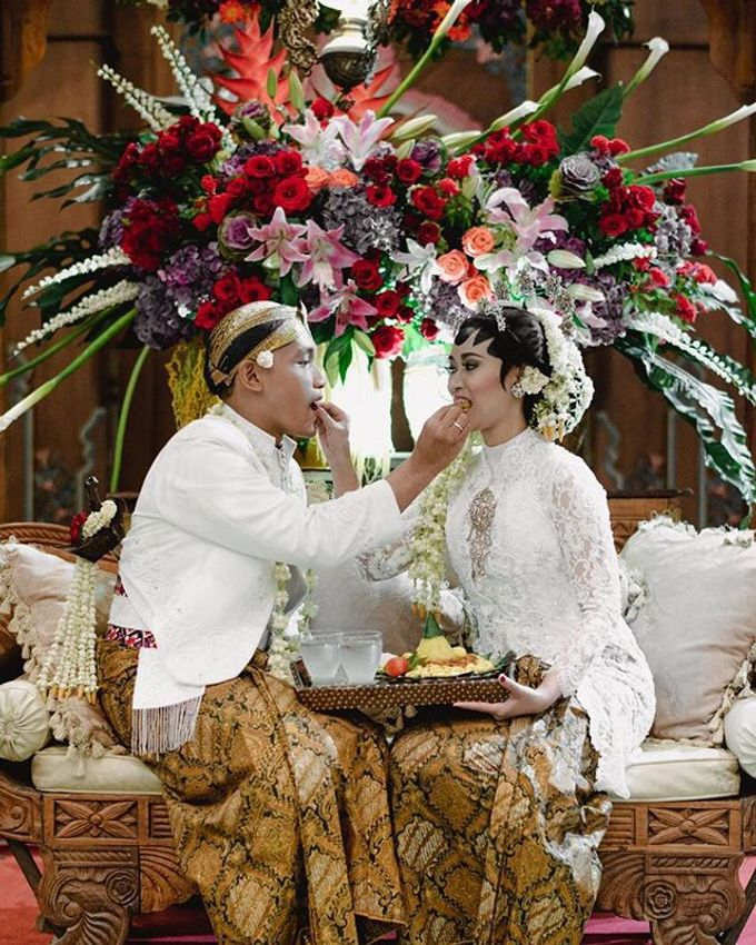 Dayu & Arief by Ans Wedding Service & Priyan Decor - 002