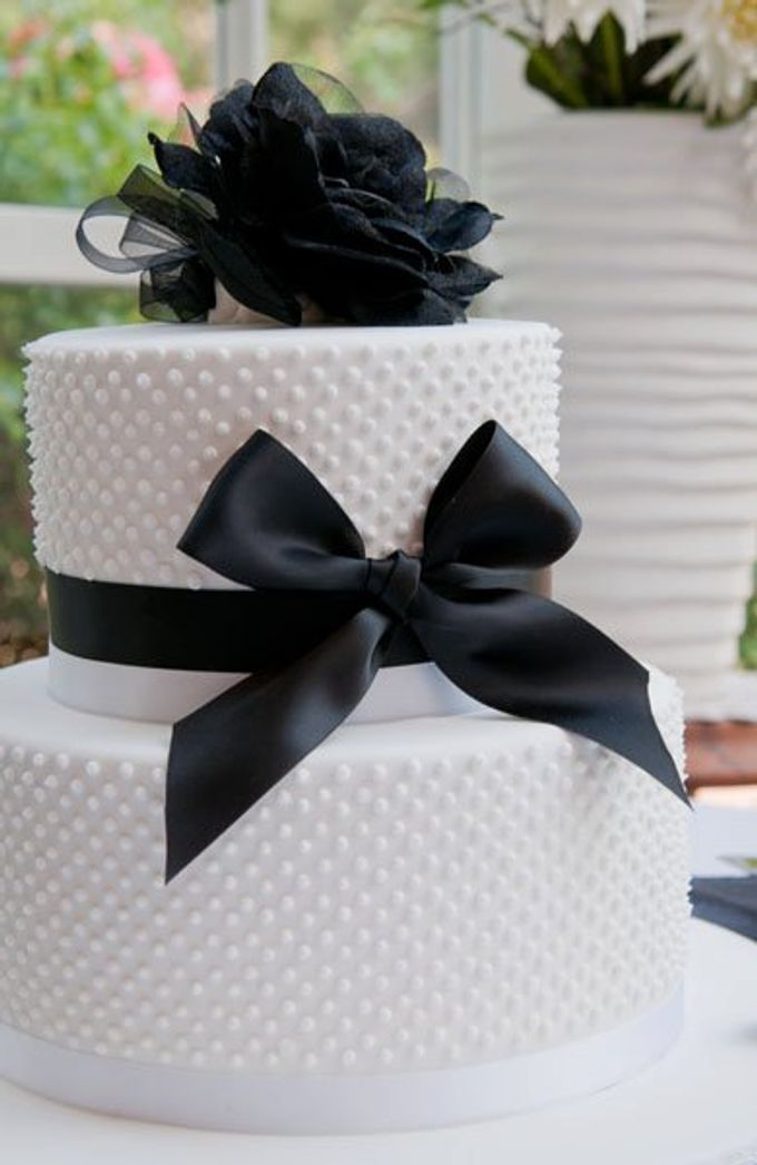Dandenong Mountains Wedding by Innicka Dee Cakes - 043