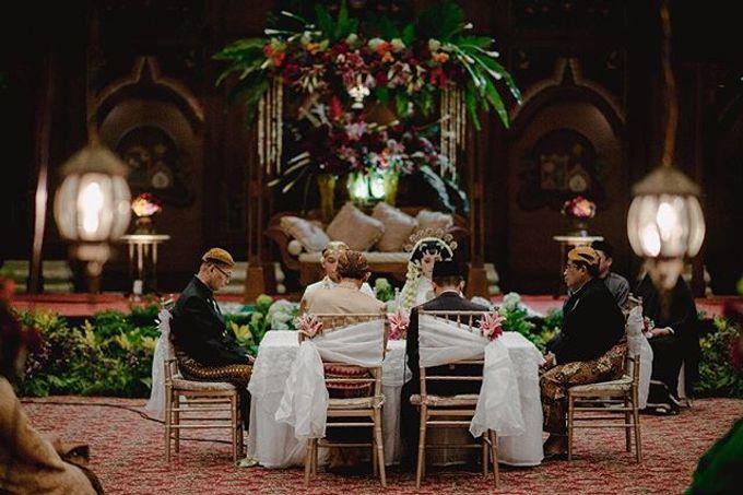 Dayu & Arief by Ans Wedding Service & Priyan Decor - 008