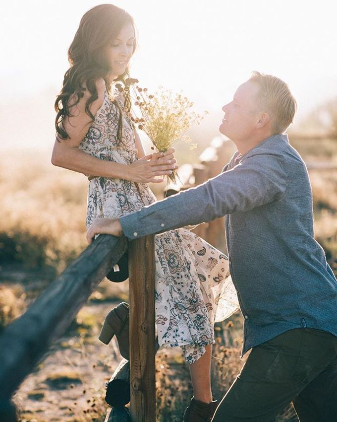 Pioneertown Engagement The Desert is Full of Wildflowers and Lovebirds by Pretty Branch Wedding Photo & Video - 001