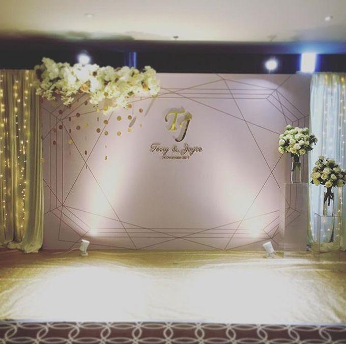 Wedding decoration by Less Than Three Wedding - 004