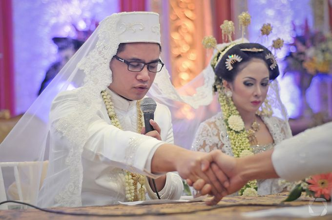 The Wedding of Sally + Rizky by The Move Up Portraiture - 034