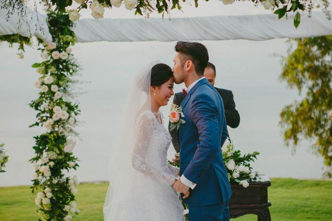 RUSTIC WEDDING DAVID AND JOICE IN SKY AYANA BALI by W organizer - 041
