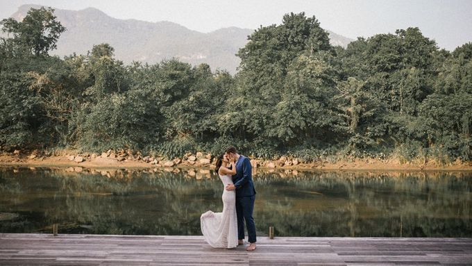 Nature Pond Romantic Prewedding Session by Kanvela - 013