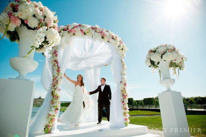 Wedding in the Konstantinovsky Palace by Grand Premier - 019