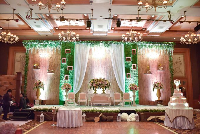 The Wedding of Marion & Valerie -Hotel Aryaduta by The Swan Decoration - 003