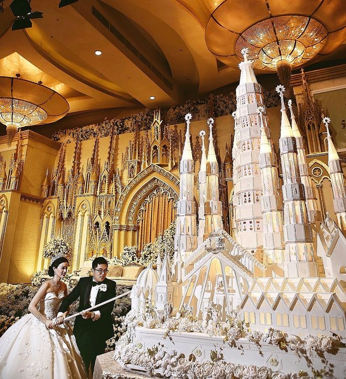 Masterpiece and Signature Wedding Cakes by LeNovelle Cake - 022