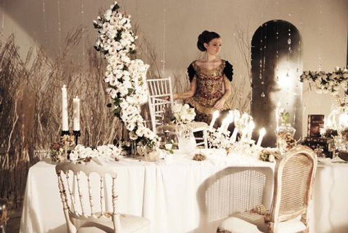 Multitude of white covers a multitude of sins by Tea Rose Wedding Designer - 009