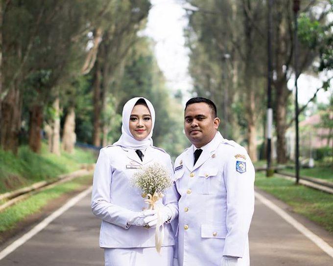Prewedding session with casual and formal attire by Sensitif Cahaya  Bridestory.com