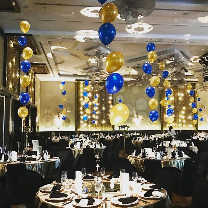 Ballroom Table Centerpieces by Balloon Blasters - 005