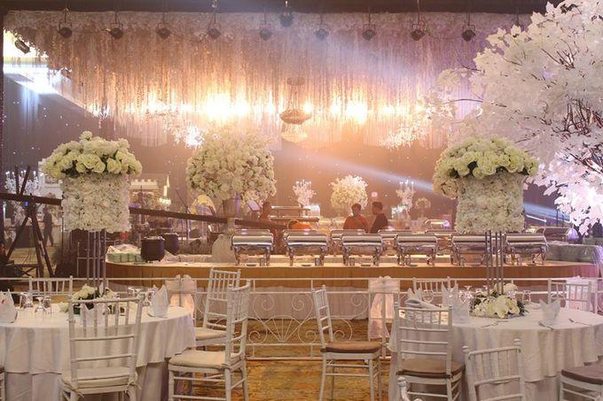 Wedding of yuko esti by harris hotel convention center malang add to board wedding of yuko esti by harris hotel convention center malang 001 junglespirit Images