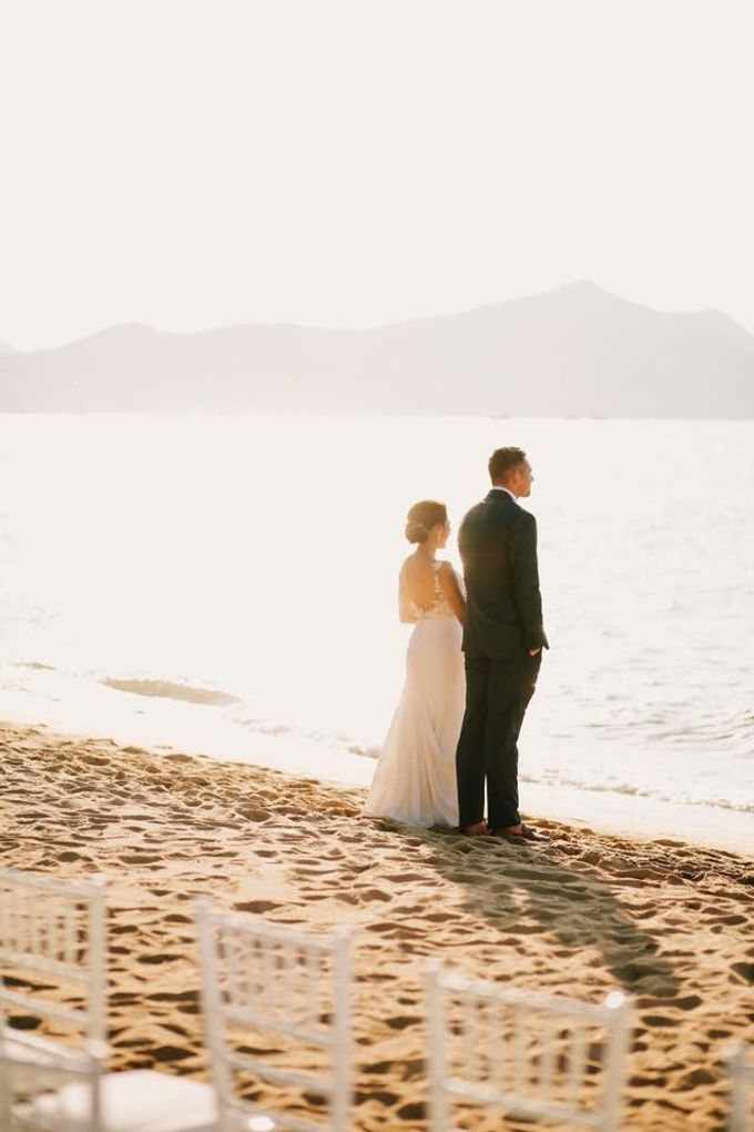 Romantic Beach Wedding by Kanvela - 011