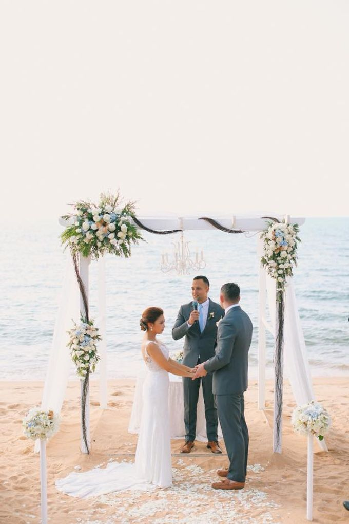 Romantic Beach Wedding by Kanvela - 007