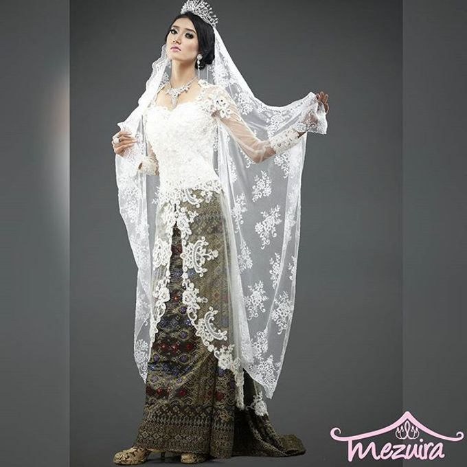 Modern X Traditional Classic Bridal by Mezuira MakeUp & Hijab Style - 004