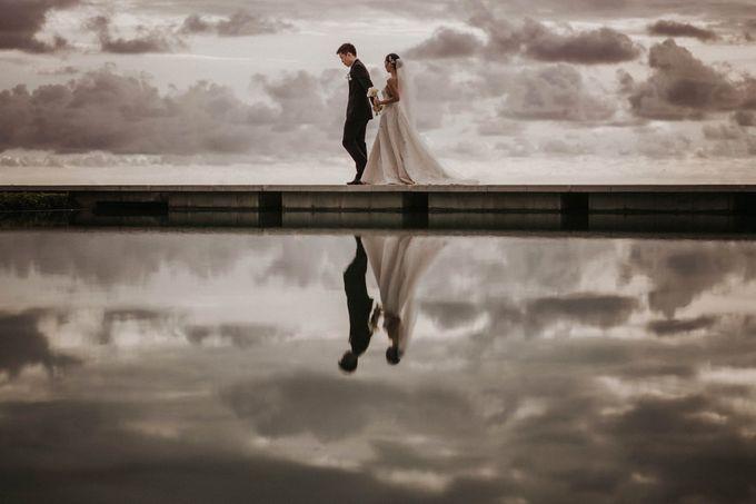 Kate & Marvin - Tirtha Uluwatu Bali Wedding by ILUMINEN - 017