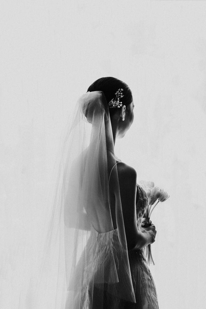 Kate & Marvin - Tirtha Uluwatu Bali Wedding by ILUMINEN - 014