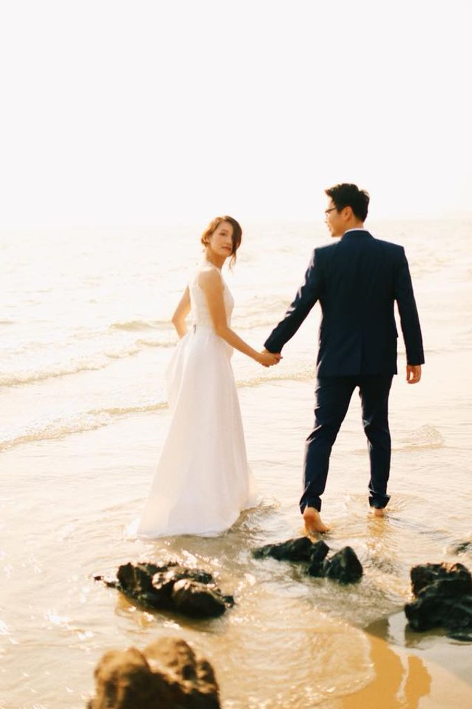 Beach and Nature Prewedding Rayong Thailand by Kanvela - 006