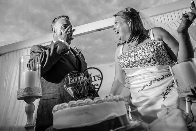 Beach wedding in Santorini by Red Knot Weddings & Events - 027