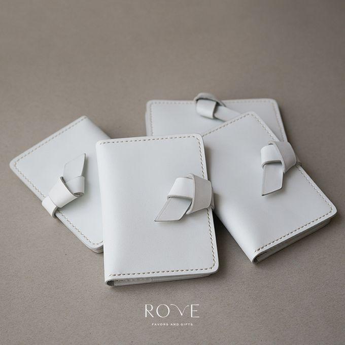 Irwin - Nakina Passport in White by Rove Gift - 004