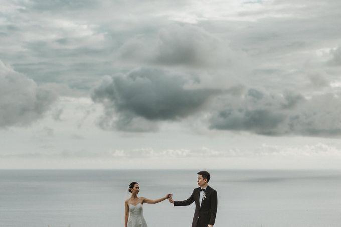 Kate & Marvin - Tirtha Uluwatu Bali Wedding by ILUMINEN - 021
