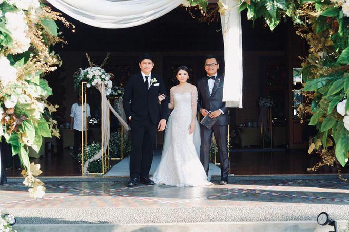 Rio & Lian Wedding by HENRY BRILLIANTO - 013