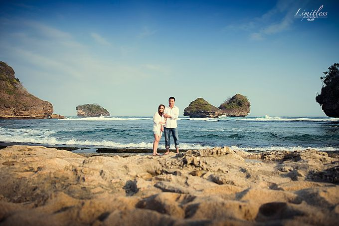 HENDY AND AMEL ENGAGEMENT PHOTOSHOOT by limitless portraiture - 005