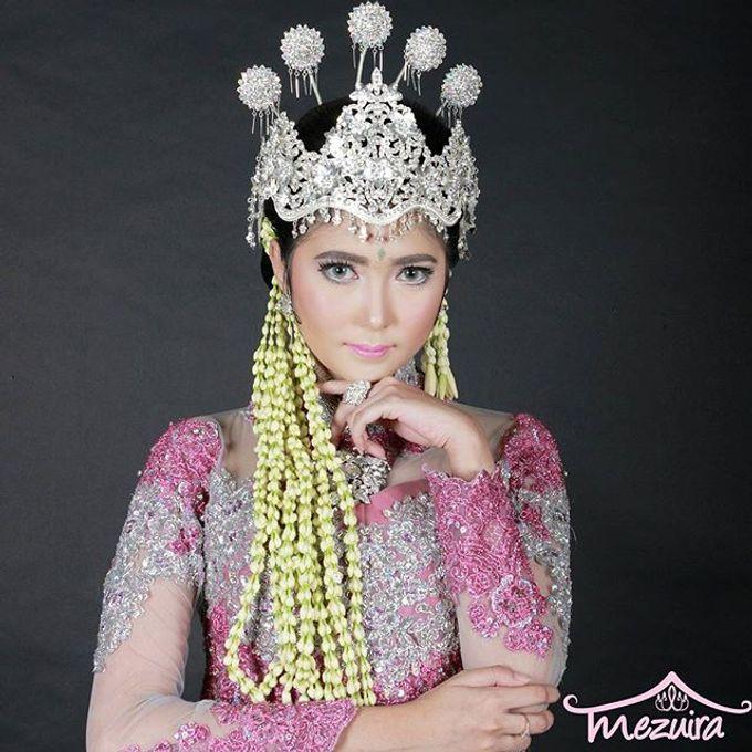 Sunda Siger Modifikasi (Traditional Bridal Makeup) by Mezuira MakeUp & Hijab Style - 003