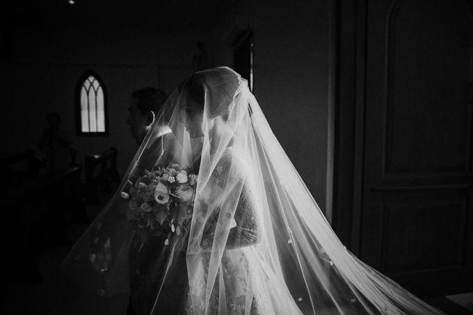 Sisca & Bob Wedding at Sofitel Nusa Dua - Bali by ILUMINEN - 015