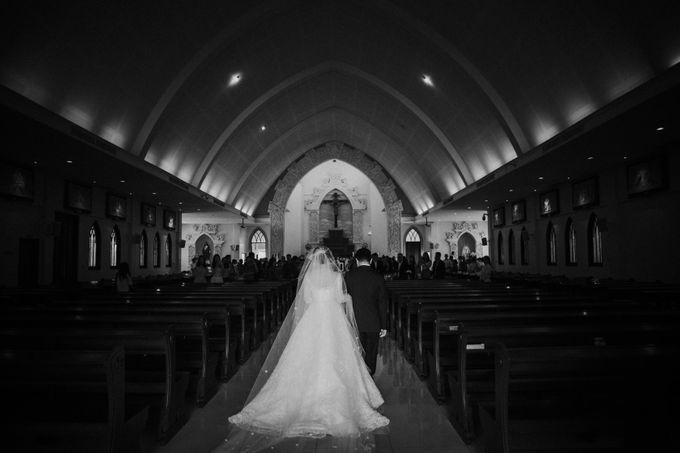Sisca & Bob Wedding at Sofitel Nusa Dua - Bali by ILUMINEN - 016
