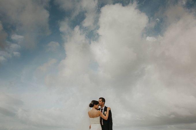 Sisca & Bob Wedding at Sofitel Nusa Dua - Bali by ILUMINEN - 026