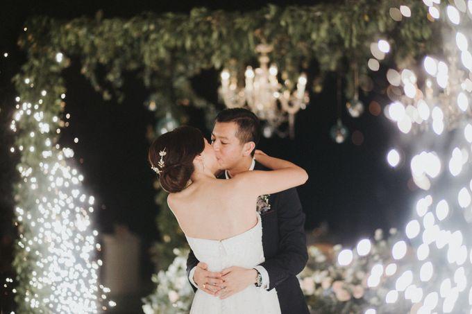 Sisca & Bob Wedding at Sofitel Nusa Dua - Bali by ILUMINEN - 039