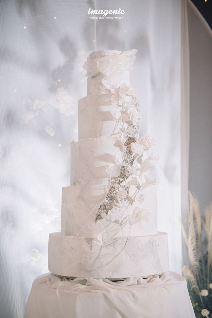 Eva & Fikriel Wedding by Petty Kaligis - 001