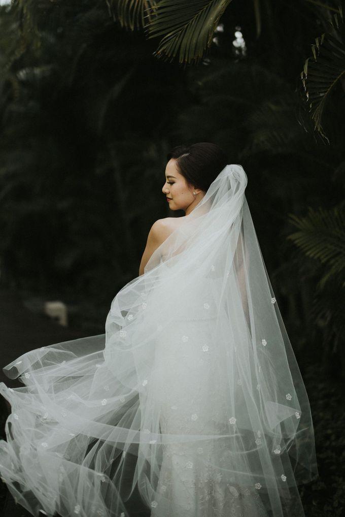 Sisca & Bob Wedding at Sofitel Nusa Dua - Bali by ILUMINEN - 021