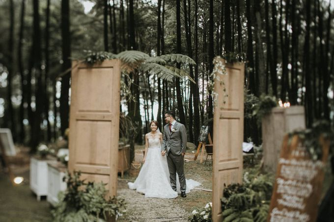 Mega & Alfred Wedding at Gunung Pancar Bogor by ILUMINEN - 027