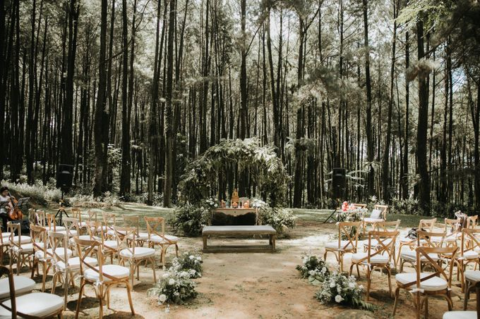 Mega & Alfred Wedding at Gunung Pancar Bogor by ILUMINEN - 015