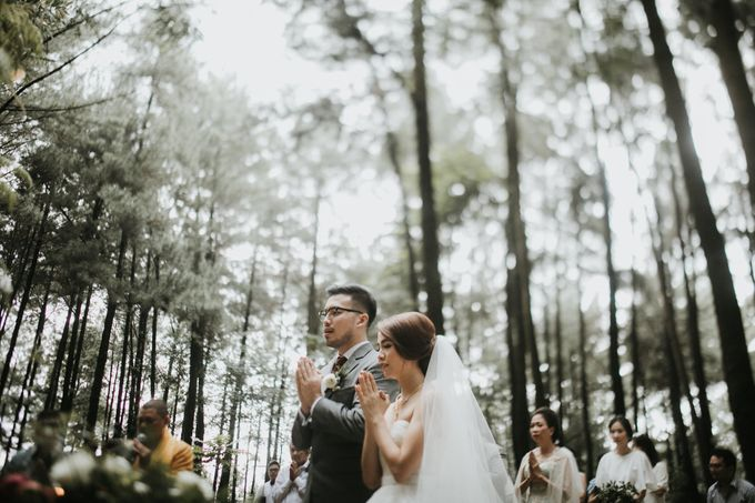 Mega & Alfred Wedding at Gunung Pancar Bogor by ILUMINEN - 017