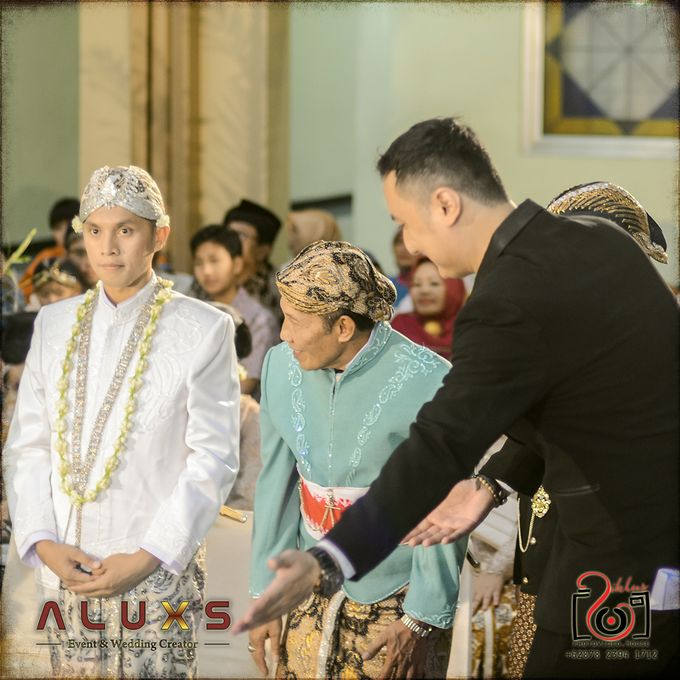 The Wedding of Santa & Khresna by Alux's Event & Wedding Creator - 028