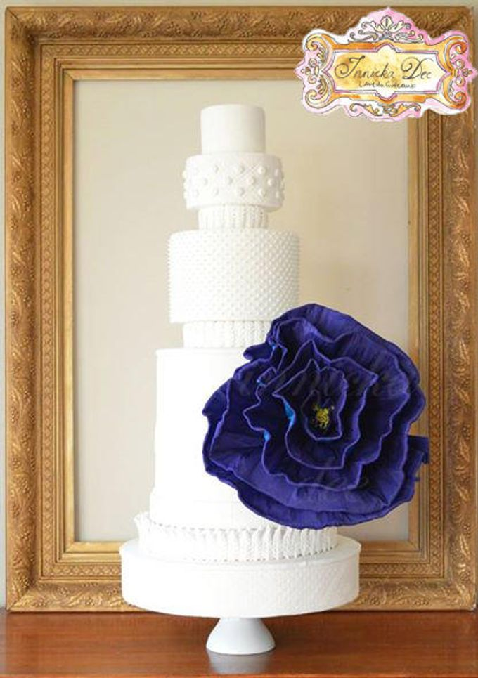 Wedding Cakes by Innicka Dee Cakes - 030