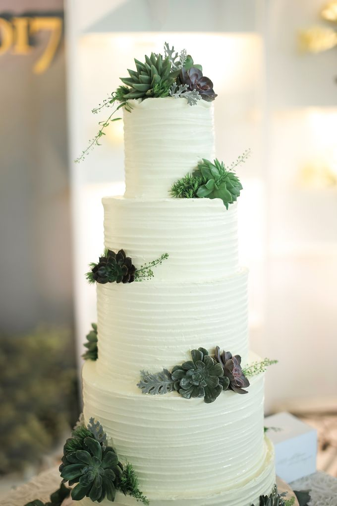 Wedding Cake - Agung & Ardilla by Lareia Cake & Co. - 002