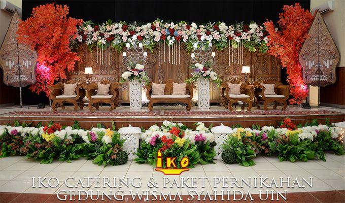Dekorasi Pelaminan by IKO Catering Service dan Paket Pernikahan - 047
